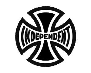 Independent Truck Company è un brand di attrezzatura e abbigliamento da skate californiano, nato nel 1978 e conosciuto in tutto il mondo grazie al logo ideato da Jim Phillips, oltre all'incredibile qualità dei suoi prodotti. Independent si è costruito un nome sponsorizzando una lunga serie di pro-skater leggendari, tra cui Eric Koston, Tony Hawk e David Gonzalez, ed è uno dei pochi marchi ad aver mantenuto la produzione di hardware in America, sulle sponde della baia di San Francisco: il logo Independent riprende la croce di ferro militare, con la scritta arcuata nel mezzo e i colori del brand - rosso, bianco e nero - attorno. Independent, noto anche come Indys, è il numero uno dello skate dal giorno zero e fa dell'affidabilità il suo punto di forza: il merchandising Independent deriva dalla grande popolarità del suo hardware, ma grazie a un'estetica forte e inconfondibile è diventato in fretta un fenomeno assoluto della scena skate, un baluardo dello streetwear più autentico, l'ideale per provare i trick più complessi fra le strade della tua città.