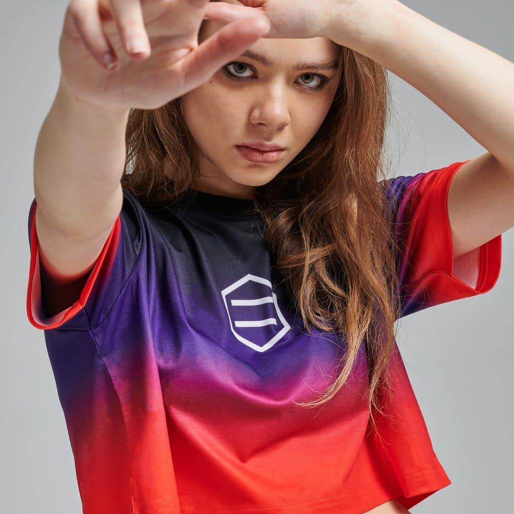 Dolly Noire T-Shirt Gradient Crop Top – BLK: RED